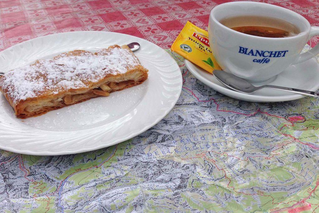 Warme Gastfreundlichkeit und köstliche italienische Spezialitäten & warmer Apfelstrudel.