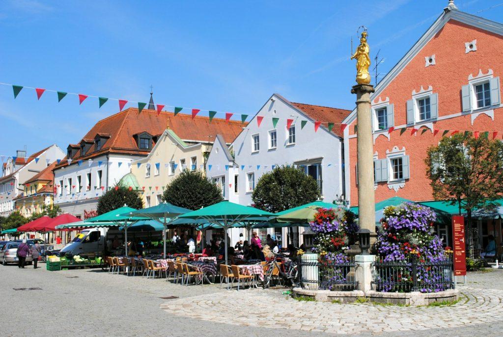 Gemütliche Biergärten und und historische Altstädte.