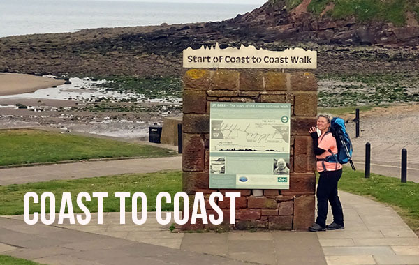 Auf dem Coast to Coast walk quer durch Nordengland durch 3 Nationalparks: Start in St. Bees an der Irischen See.