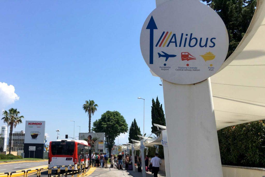 Flughafenbus Neapel
