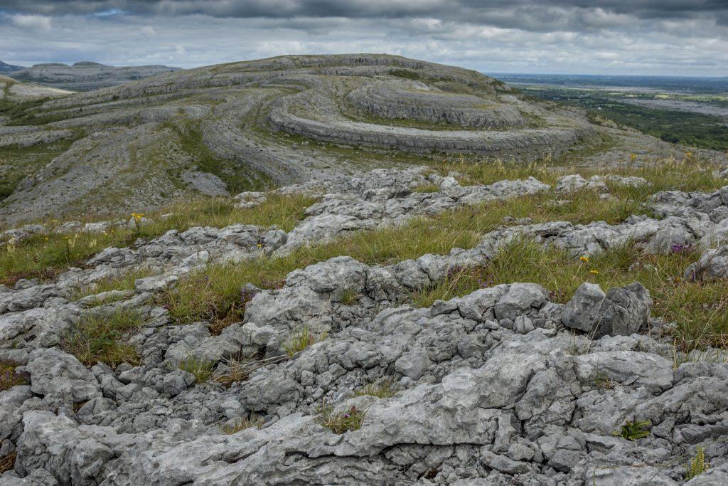 Die Karstlandschaft Burren, an Irlands Westküste